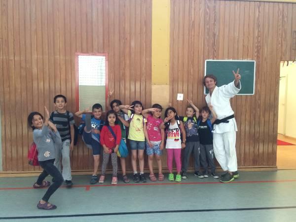 Best practice : judogi for refugees : integration durch judo : für